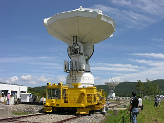 干渉計アンテナ移動中