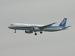 A321-131(JA102A)