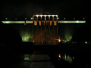 早明浦ダム ライトアップ中