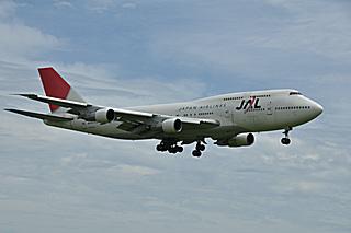 B747-346 (JA8166)