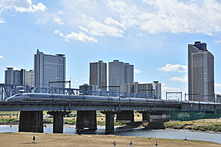 6A (W8 編成)@多摩川橋梁